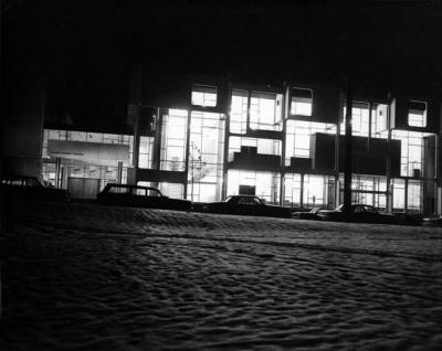 Guthrie Theatre on Vineland lit up at night.