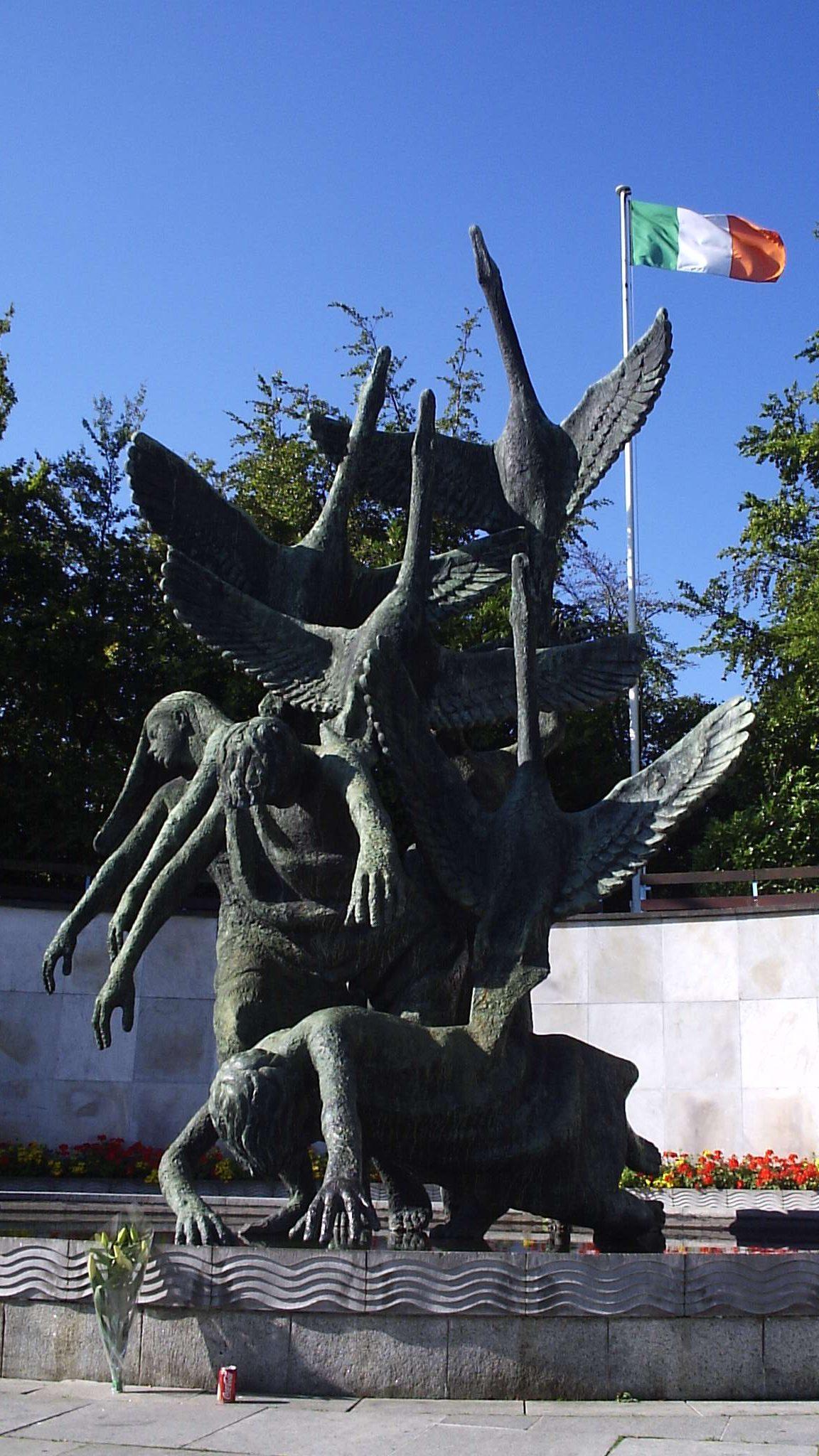 Sculpture in Garden of Remembrance in Dublin. It is called Children of Lir. Author: Sebb. Public domain.